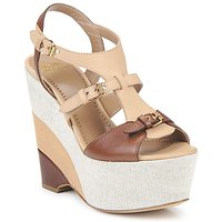 Cipők Női Szandálok / Saruk Moschino Cheap & CHIC STERLIZIA Bézs-barna