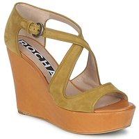 Cipők Női Szandálok / Saruk Rochas RO18131 Barna