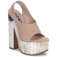 Cipők Női Szandálok / Saruk Rochas RO18175 Dohány