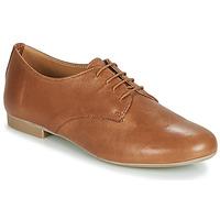 Cipők Női Oxford cipők André COMPLICITY Teve