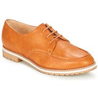 Cipők Női Oxford cipők André CHARLELIE Teve