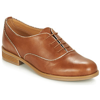 Cipők Női Oxford cipők André CHOMINE Teve