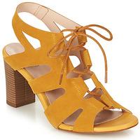 Cipők Női Szandálok / Saruk André ROMANESQUE Citromsárga