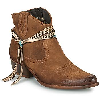 Cipők Női Csizmák Felmini SERRAJE Barna