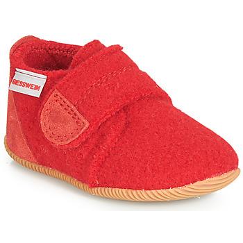 Cipők Gyerek Mamuszok Giesswein OBERSTAUFFEN Piros