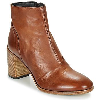 Cipők Női Bokacsizmák Moma STELLA BRANDY Barna