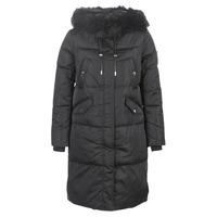 Ruhák Női Steppelt kabátok Guess ROXIE Fekete
