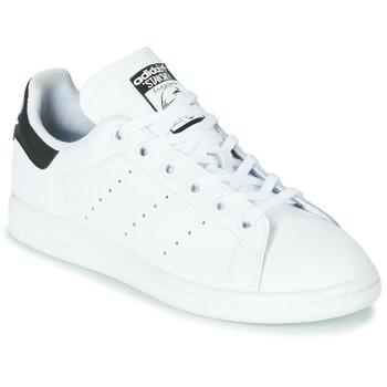 Cipők Gyerek Rövid szárú edzőcipők adidas Originals STAN SMITH J Fehér / Fekete