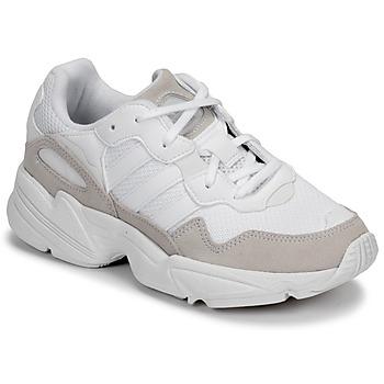 Cipők Gyerek Rövid szárú edzőcipők adidas Originals YUNG-96 J Bézs