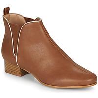 Cipők Női Csizmák André VERVEINE Teve