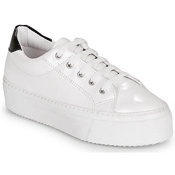Cipők Női Rövid szárú edzőcipők André SODA Fehér