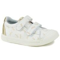 Cipők Lány Rövid szárú edzőcipők GBB NOELLA Fehér