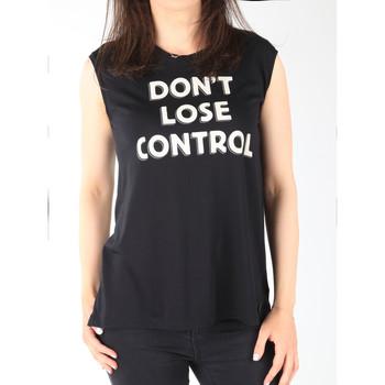 Ruhák Női Trikók / Ujjatlan pólók Lee T-shirt  Muscle Tank Black L42CPB01 czarny