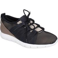 Cipők Férfi Rövid szárú edzőcipők Alexander Smith BR635 Bézs