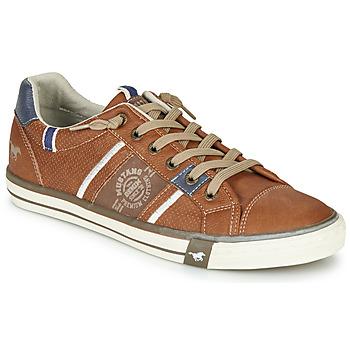 Cipők Férfi Rövid szárú edzőcipők Mustang 4072308-307 Konyak