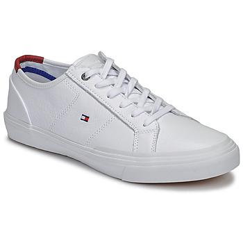 Cipők Férfi Rövid szárú edzőcipők Tommy Hilfiger CORE CORPORATE FLAG SNEAKER Fehér
