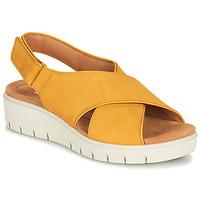 Cipők Női Szandálok / Saruk Clarks UN KARELY SUN Mustár sárga