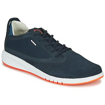 Cipők Férfi Rövid szárú edzőcipők Geox U AERANTIS Tengerész