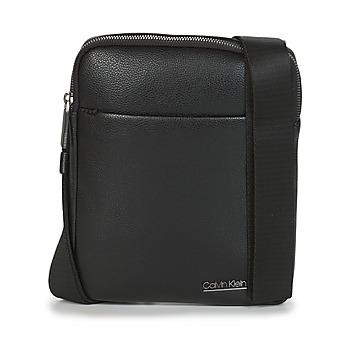 Táskák Férfi Kistáskák Calvin Klein Jeans CK BOMBE' FLAT CROSSOVER Fekete
