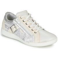 Cipők Női Rövid szárú edzőcipők Pataugas PAULINE/S Fehér / Ezüst