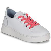 Cipők Lány Rövid szárú edzőcipők Camper RUNNER G J Fehér