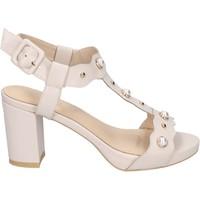 Cipők Női Szandálok / Saruk Brigitte Szandál BN473 Bézs