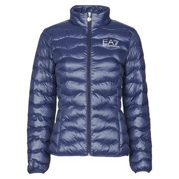 Ruhák Női Steppelt kabátok Emporio Armani EA7 TRAIN CORE LADY W LT ECO DOWN JCKT Tengerész