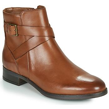 Cipők Női Csizmák Clarks HAMBLE BUCKLE Barna
