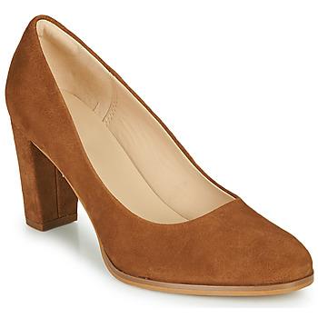 Cipők Női Félcipők Clarks KAYLIN CARA 2 Teve