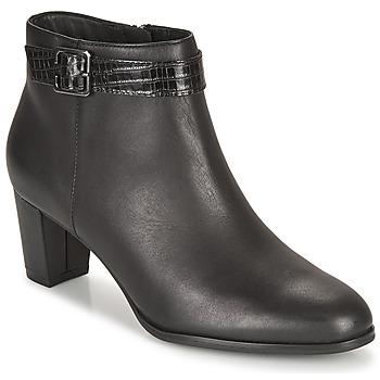 Cipők Női Bokacsizmák Clarks KAYLIN60 BOOT Fekete