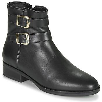 Cipők Női Csizmák Clarks PURE MID Fekete