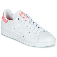 Cipők Női Rövid szárú edzőcipők adidas Originals STAN SMITH W Fehér / Rózsaszín