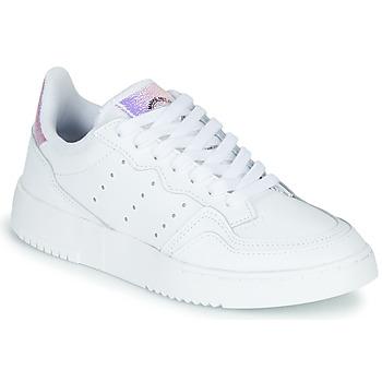 Cipők Gyerek Rövid szárú edzőcipők adidas Originals SUPERCOURT J Fehér