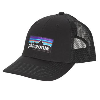 Textil kiegészítők Férfi Baseball sapkák Patagonia P-6 LOGO LOPRO TRUCKER HAT Fekete