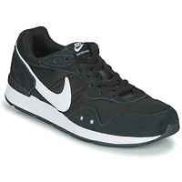 Cipők Férfi Rövid szárú edzőcipők Nike VENTURE RUNNER Fekete  / Fehér