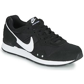 Cipők Női Rövid szárú edzőcipők Nike VENTURE RUNNER Fekete  / Fehér