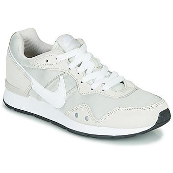 Cipők Női Rövid szárú edzőcipők Nike VENTURE RUNNER Bézs / Fehér