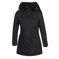Ruhák Női Steppelt kabátok Betty London NIETTE Fekete