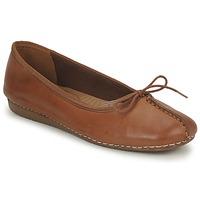 Cipők Női Balerina cipők / babák Clarks FRECKLE ICE Barna