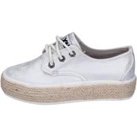 Cipők Lány Rövid szárú edzőcipők Xti BM817 Ezüst
