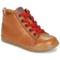 Cipők Fiú Magas szárú edzőcipők Little Mary LEON Barna