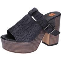 Cipők Női Szandálok / Saruk Moma BK101 Fekete