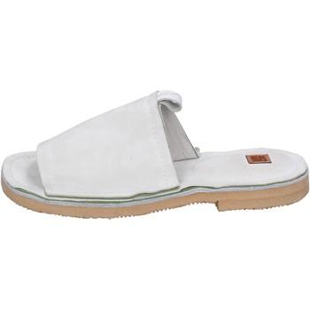 Cipők Női Papucsok Moma BK121 Fehér