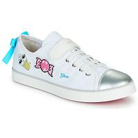 Cipők Lány Rövid szárú edzőcipők Geox JR CIAK FILLE Fehér / Ezüst