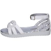 Cipők Lány Szandálok / Saruk Fiorucci BK504 Fehér