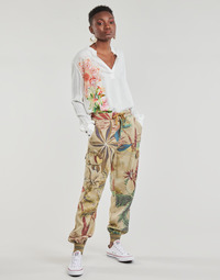 Ruhák Női Lenge nadrágok Desigual TOUCHE Bézs
