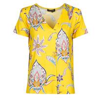 Ruhák Női Rövid ujjú pólók Desigual LEMARK Citromsárga
