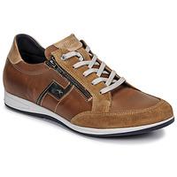 Cipők Férfi Rövid szárú edzőcipők Fluchos 0207-AFELPADO-CAMEL Barna