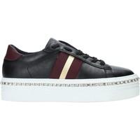 Cipők Női Rövid szárú edzőcipők Gold&gold B19 GA139 Fekete