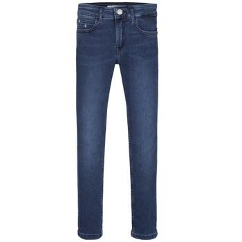 Ruhák Lány Skinny farmerek Calvin Klein Jeans SKINNY ESS ROYAL BLUE Kék